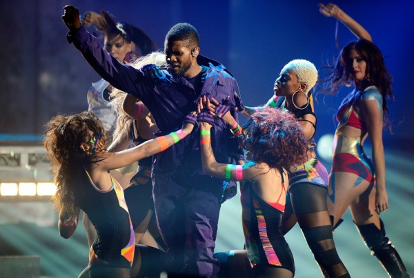 2010 American Music Awards - Show